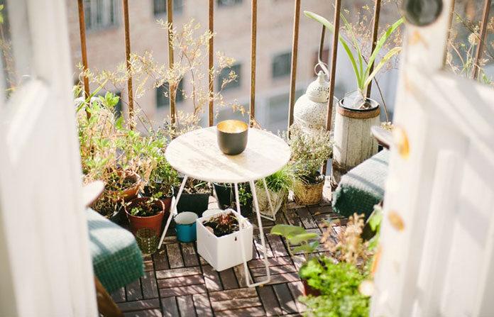 Balkony, tarasy i ogrody Polaków